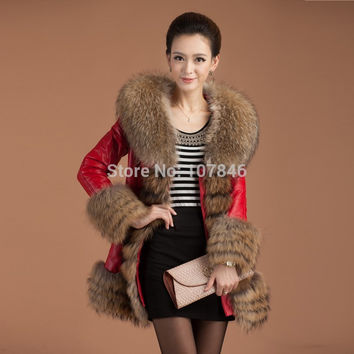 2016  Women's Fashion Genuine Sheepskin Leather Down Parkas Coat Raccoon Fur Collar Female Winter Women Fur Outerwear Coats 1086