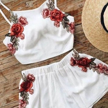 Casual Rose Halter Embroidered Crop Top Shorts Set