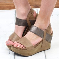 Hester Metallic Wedge Sandal {Nude}