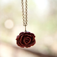 Red-Brown Vintage Style Rose Necklace With An Antique Brass Chain - Spice | Luulla