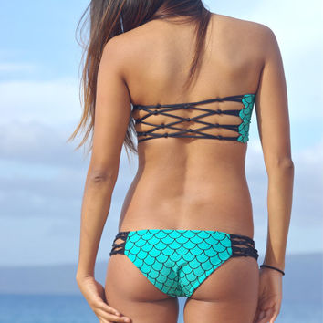 Jaws: Moderate Brazilian Fishnet Reversible Bikini Bottoms