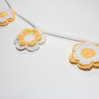 Crochet Garland, Flower Bunting, Spring Party Decoration, Yellow and White Home Wall Hanging, Nursery Decor