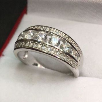 Royal Dazzy Exclusive Round Cubic Zirconia Handset Wedding ring Band Size 8