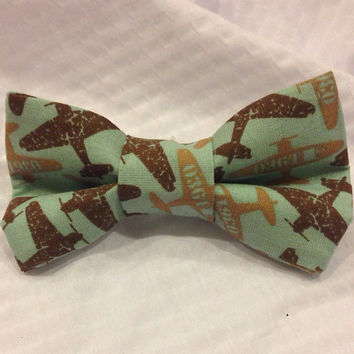 Airplane Bow tie, vintage planes, Bow tie, plane hair Bow - clip on - Infant, Toddler, Child, Adult - pretied bow tie