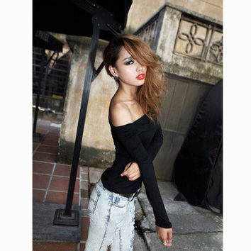 SIMPLE - Women Fashionable Sexy Slim Long Sleeve Off Shoulder Neckline T-Shirt a10804