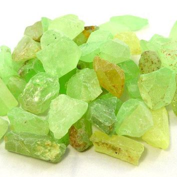 Raw Glow in the Dark Natural Quartz Crystals NEON by MerCurios