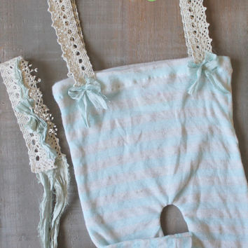 Newborn Striped Pants with Lace Suspenders with Matching Bow Tie Back Set