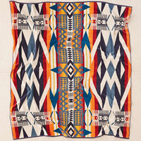 Pendleton Fire Legend Oversized Towel For Two - Urban Outfitters