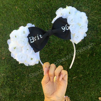 White floral minnie ears black bow customized name flowers disneyland mickey ears disney world disney ears