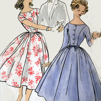 1950s Vogue 1576 Shirtwaist Dress with Full Shirt 50s Vintage Sewing Pattern Teen Size 12 Bust 32