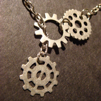 Steampunk Gear and Cog Lariat Style Necklace in Antique Silver