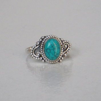 A Sterling(92.5%)Silver Ring/Turquoise Stone Silver Ring / Hand made Silver Ring / Statement Ring / Ring Size 4,5,6,7,8,9,10,11.