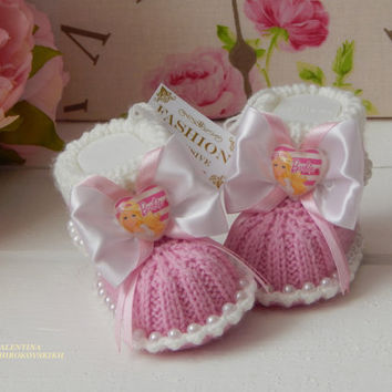 Cute Baby booties. Pink Baby Booties.Baby shower gift. Booties for baby girl. Baby socks. Knit baby booties.