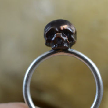 Carved Skull Pearl Ring on Thin Sterling Silver Band - Carved Pearl Jewelry - Gift - Gift for him - Gift for her