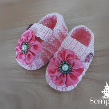 Free shipping! crochet baby slippers, crochet baby booties, 3-6m