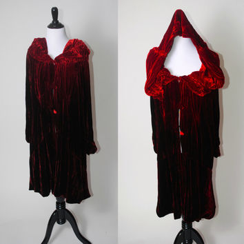 Vintage dark red Velvet Little Red Riding Hood long sleeve button down HOODED renaissance MEDIEVAL  Style Cape CLOAK