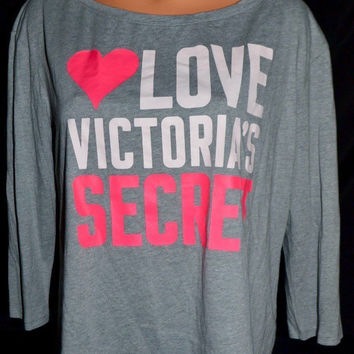 "Victoria's Secret ""LOVE VICTORIA""S SECRET"" T Shirt"