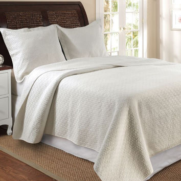 Vashon Ivory Quilt Queen Bedspread Set (3Pc)