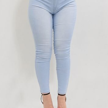 'Pinna' YMI Light Blue Solid Mid-Rise Jeans
