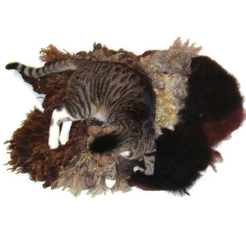 Cat Bed Felted Wool Fleece Rustic Pet Bed - Romney and Alpaca - Supporting US Small Farms