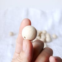 18 mm Natural wooden beads 25 pcs - eco friendly r18mm