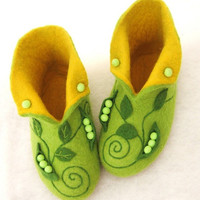 High felted slippers Peas by InnaGanke on Etsy