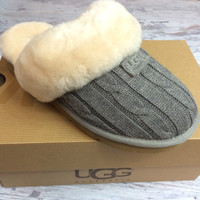 UGG COZY KNIT SLIPPER IN GREY