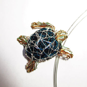 Sea turtle necklace Turtle jewelry Unique necklaces for women Wire sculpture art necklace Wire art jewelry Ocean jewelry Sea jewelry