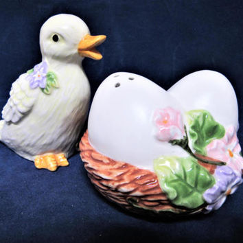 Salt and Pepper Shakers Duck Basket Eggs Ceramic Porcelain Pottery BLM