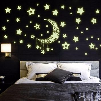Room decoration Starry Sky luminous stickers star moon glow in the dark fluorescent decals kids cartoon wallpaper C2131P10