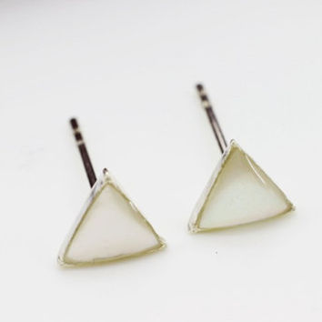White Sea Shell Triangle Stud Earring, 925 Sterling Silver Earrings, Petite, Minimal, Gift for her, Gift for women, Gift for teen
