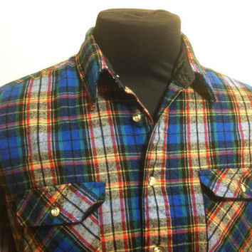 1980's Vintage Trails End Large Blue Red Green Striped Flannel Mens Long Sleeve Shirt