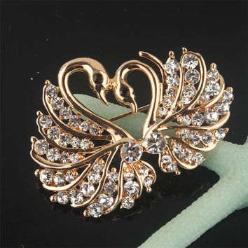 Free Shipping New Yellow Gold Plated Love Swan Clear/Champagne/Pink Austrian Crystal Brooch Pin Jewelry