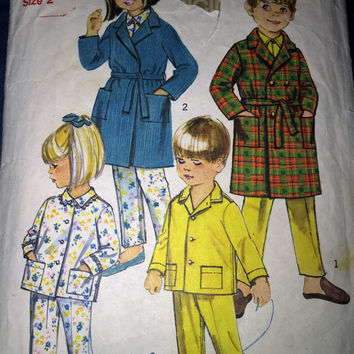 "Vintage Simplicity Sewing Pattern 8291 for ""Childs Robe and Pyjamas"" From 1971 / Size 2"