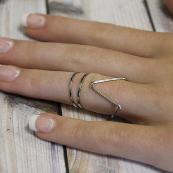 Chevron and two circle Midi ring, Rings, ring, Knuckle Ring, By hot2own