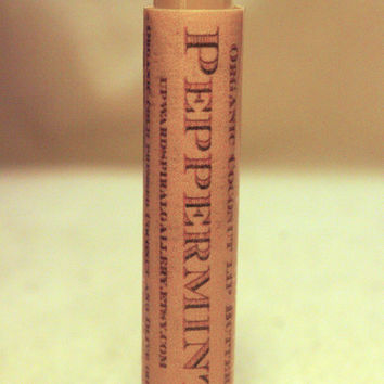 Organic Coconut and Olive oil lip balm, Peppermit. All natural and organic ingredients. Mini lip balm. Made with beeswax.