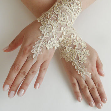 FREE SHIP, Wedding Gloves, lace gloves, Fingerless Gloves, Gold lace gloves , Off the cuffs, cuff wedding bride, bridal gloves, french lace