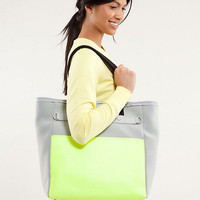 urban oasis tote | women's bags | lululemon athletica