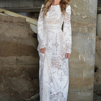 Lyla Ivory Lace Wedding Dress