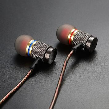 Metal Earphones with Microphone Noise Cancelling Earbuds