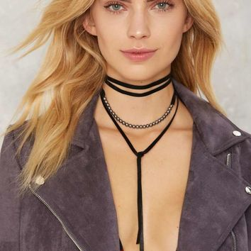 Dark Eyes Wrap Choker