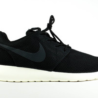 Nike Men's Roshe Run Black Sail