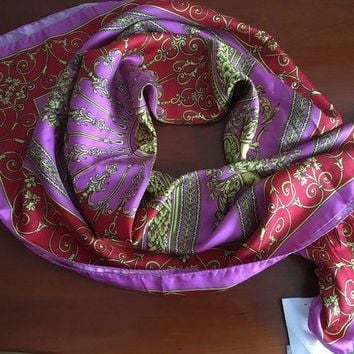 VONEXO9 $300 VERSACE ATELIER/BAROQUE RED/GOLD W/H MEDUSA HEADS/SIRENAS SILK SCARF,IT