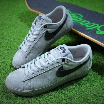 LMFUX5 Reigning Champ x Nike Blazer SB Gray Suede Sport Shoes