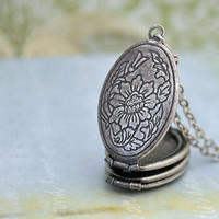 VINTAGE CAMELLIA antique silver locket necklace with layered picture frames