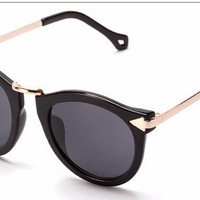 Black Round Lens Sunnies