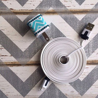 New Super Cute Jewled Turquoise & White ZigZag Designed USB Wall Connector  + 10ft Flat White IPhone 5/5s/5c Cable Cord
