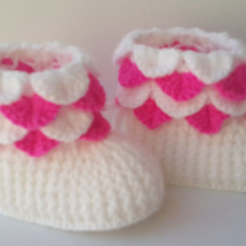 Crochet baby booties, Baby girl booties, Shoes in pink and white,Crocheted Baby Booties, White Newborn Booties, Handmade Baby Booties, Boots