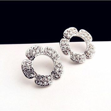 ES698 Full Crystal Hollow Flower Stud Earrings Pierced Earing Women Accessories Ear Jewelry