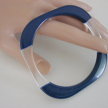 Modernist Geometric Navy & Clear Lucite Bangle Bracelet / 1960s / Vintage Jewelry / Jewellery